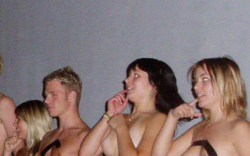 naked group